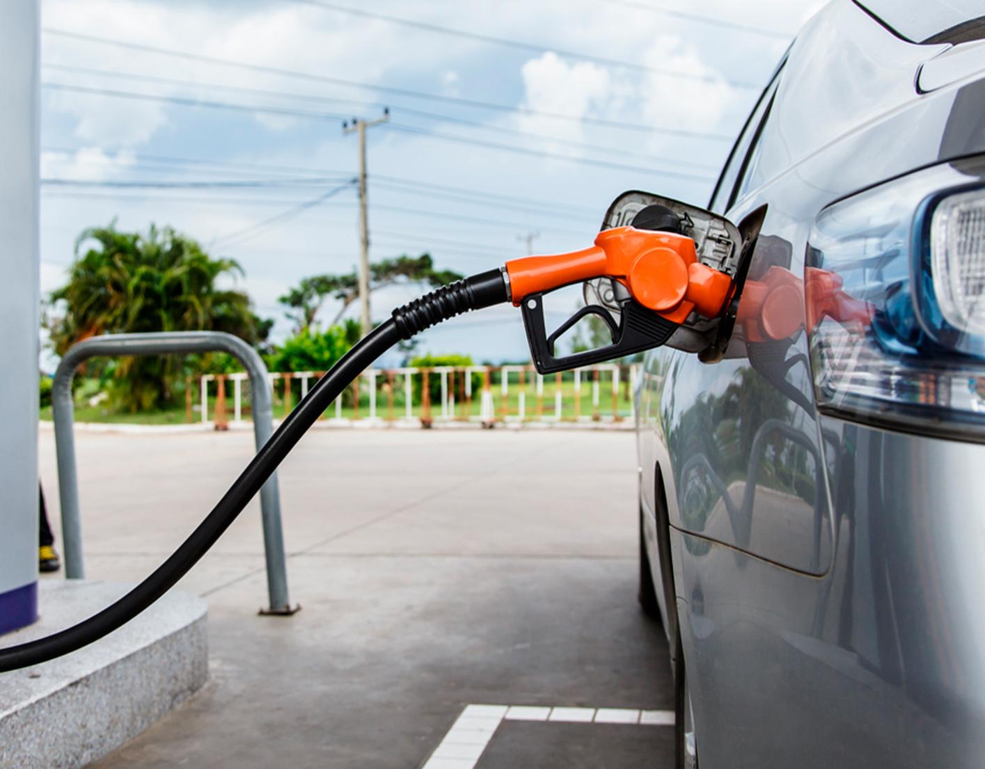 """Las estaciones de servicio de combustibles """"desatendidas"""" (sin personal presente en la estación) son compatibles con los derechos de los consumidores."""