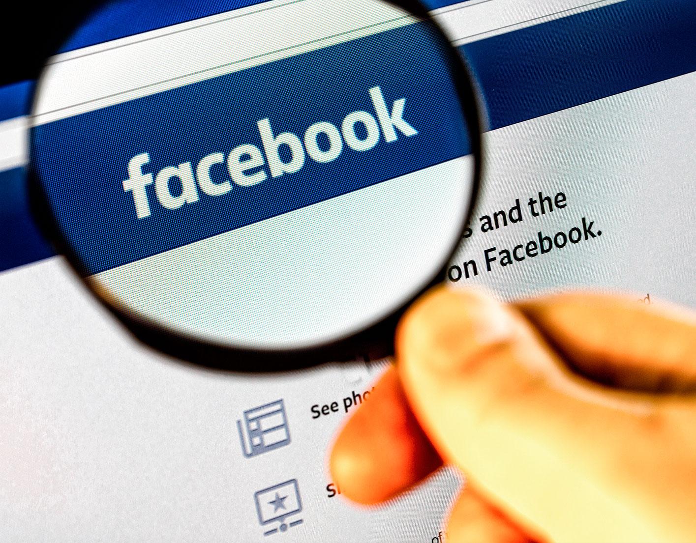 José Manuel Raya analiza en IB3 el despido de un trabajador por publicar fotos ofensivas en Facebook