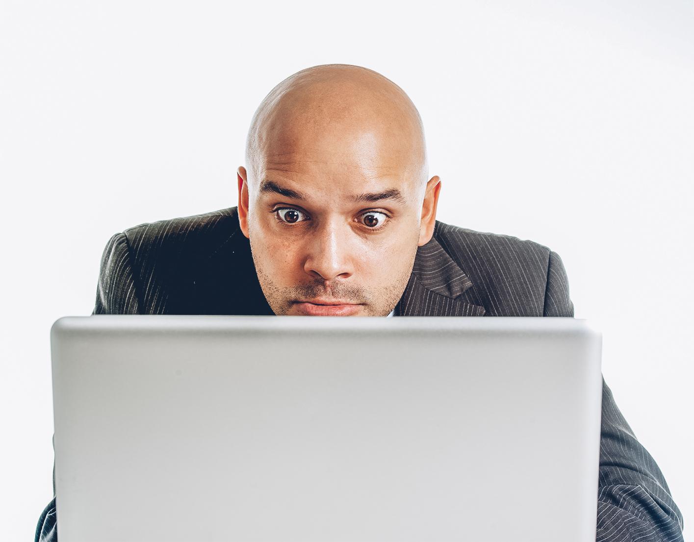 ¿El despido de un trabajador que mira porno más de la mitad de la jornada es improcedente?