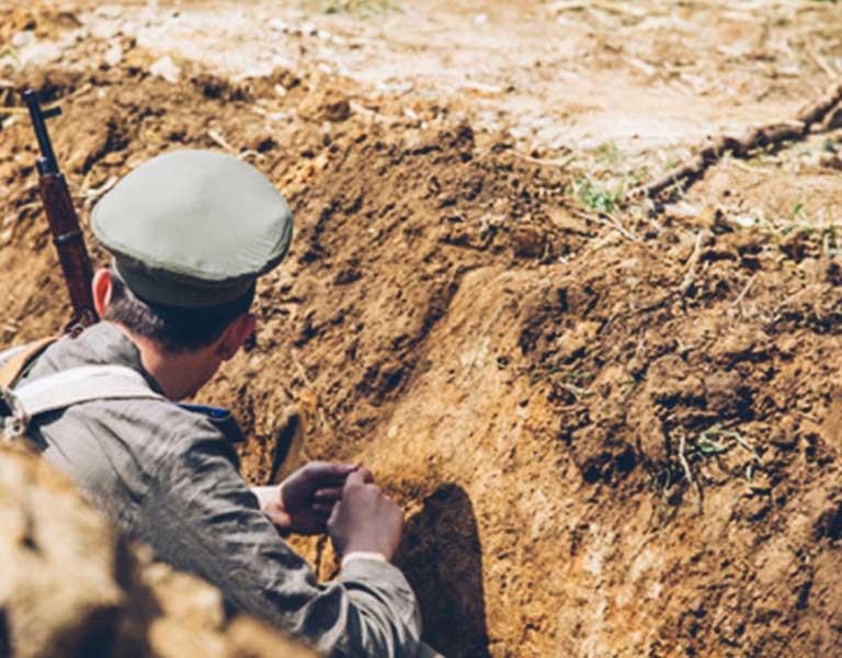 Salvar al soldado extracomunitario que alquila inmuebles en España. La Comisión Europea no lo pone fácil